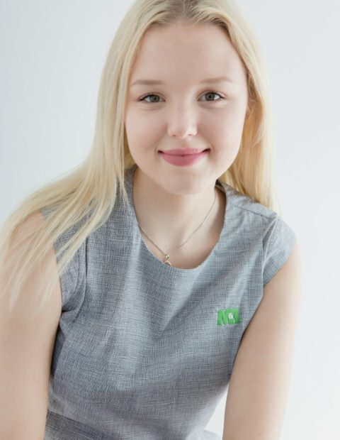 Chloe Richardson - M & R Distributors